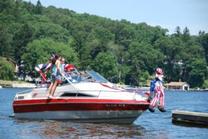 Lake Hopatcong, Garden State Yacht Club boat parade